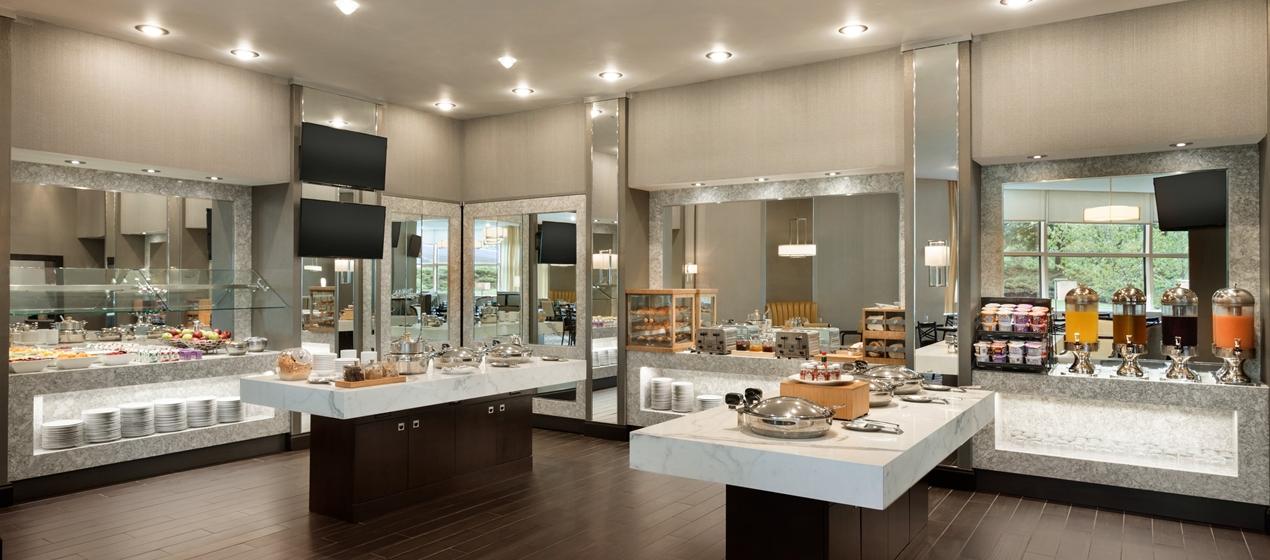 Hilton Meadowlands Breakfast